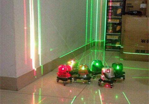 Kinh nghiệm lựa chọn mua máy cân mực laser phù hợp nhất